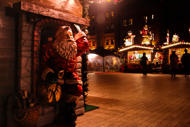 Red Brick Warehouse Christmas Market 2016-santa claus-Unseen Japan