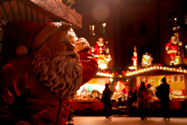 Red Brick Warehouse Christmas Market 2016-santa claus is coming to town-Unseen Japan