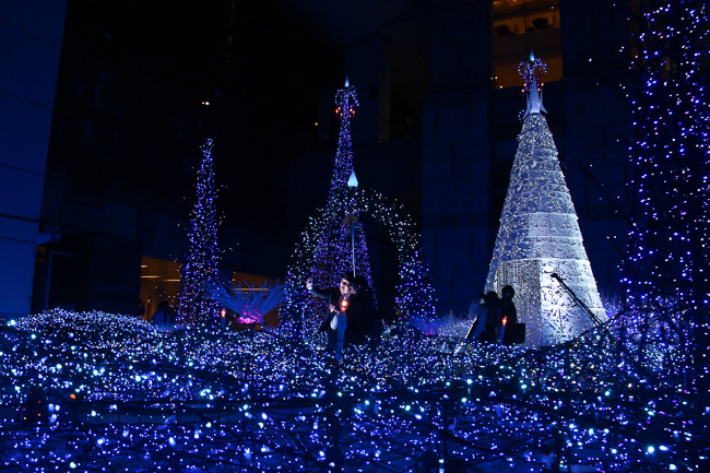 caretta-shiodome-illumination-2016-selfie-unseen-japan
